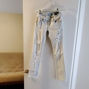 Miss Me Signature Straight White Jeans